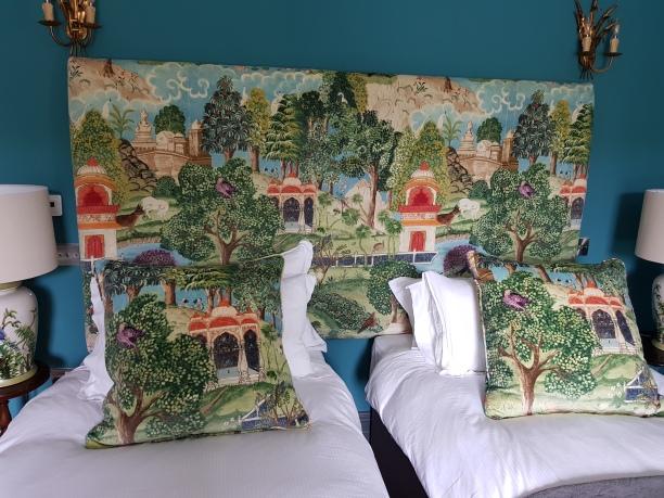 Oriental headboard & cushions
