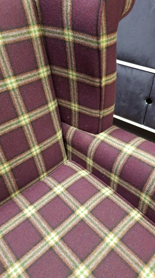 Wingback in plaid wool