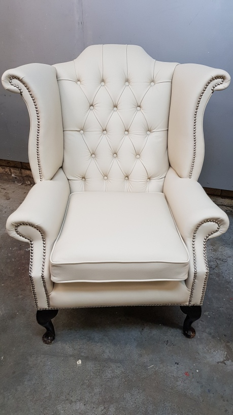 Wingback in cream leather