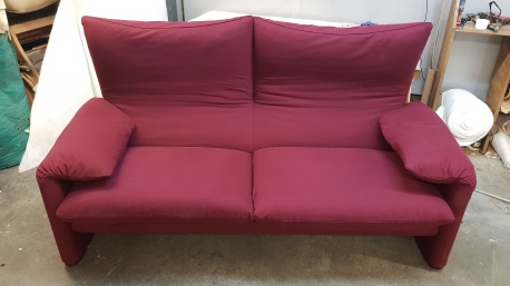 Cassina Maralunga sofa